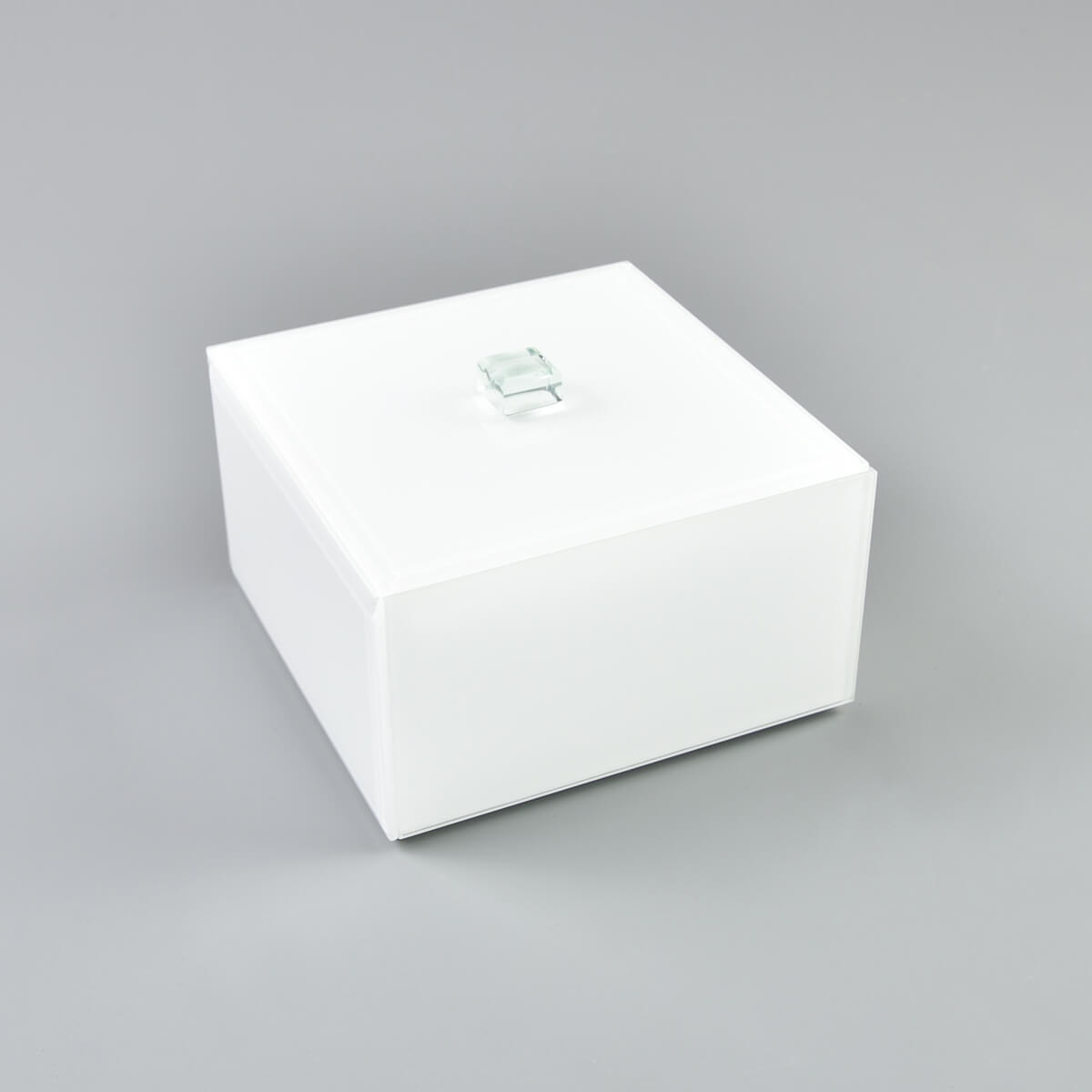 Picture of Square Lidded Makeup Box